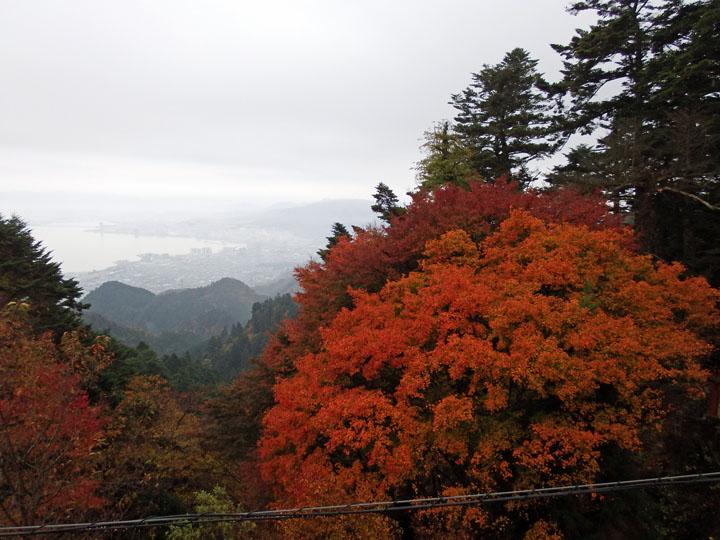 琵琶湖方面紅葉.jpg